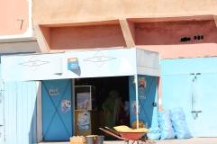 Entrée d'une épicerie_Maroc