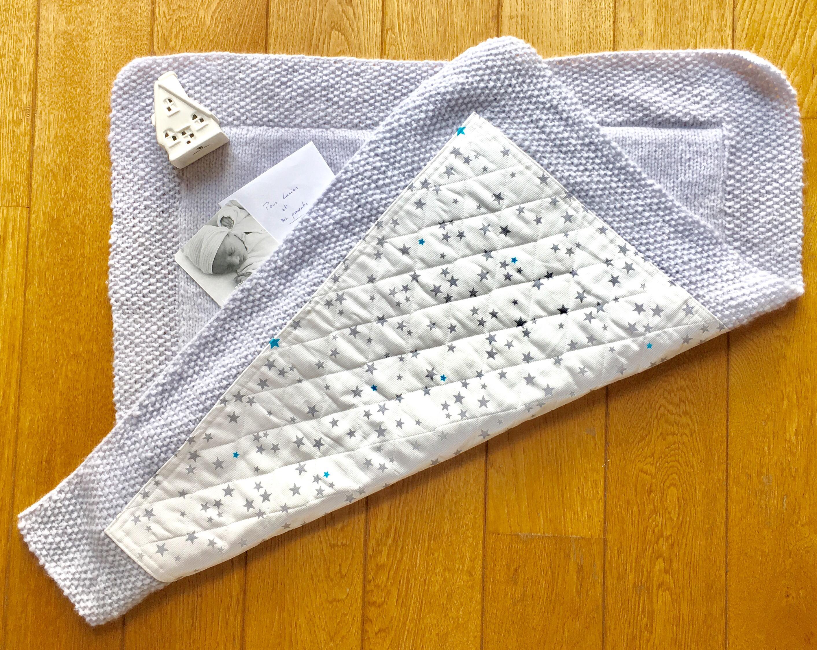 fe25828595f Je vous propose donc une couverture carrée au point de riz et jersey